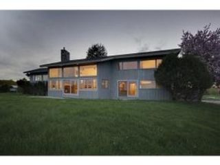 3 BR,  2.50 BTH Colonial style home in Rye