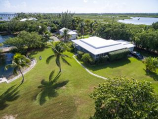 3 BR,  3.00 BTH Condo style home in Key West