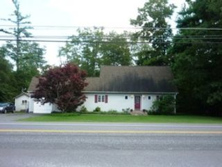 3 BR,  2.00 BTH 2 story style home in Gold Beach