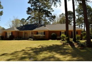 4 BR,  3.00 BTH Traditional style home in Sylvester