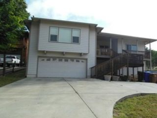 3 BR,  2.00 BTH Single family style home in Clearlake Oaks