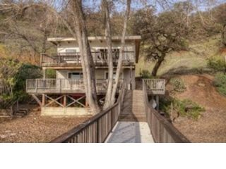 5 BR,  4.00 BTH  Single family style home in Kelseyville