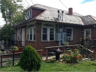 3 BR,  2.50 BTH Single family style home in Easton
