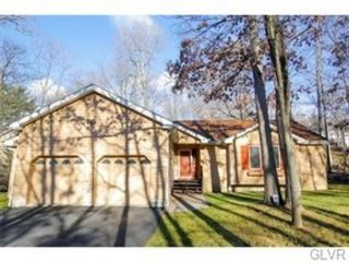 4 BR,  2.50 BTH Single family style home in Hellertown