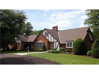 5 BR,  4.50 BTH Single family style home in Quakertown