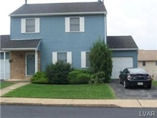 3 BR,  2.50 BTH  Single family style home in Forks Twp