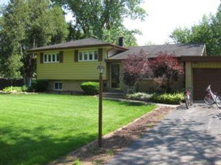3 BR,  2.50 BTH Ranch style home in Carol Stream