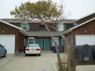 4 BR,  2.50 BTH  Ranch style home in Hanover Park