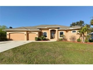 3 BR,  2.50 BTH Single family style home in Venice