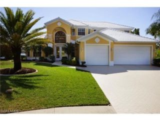 4 BR,  3.50 BTH  Single family style home in Cape Coral