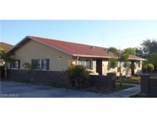 3 BR,  2.50 BTH  Single family style home in Cape Coral