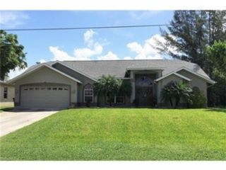 4 BR,  2.00 BTH  Single family style home in Cape Coral