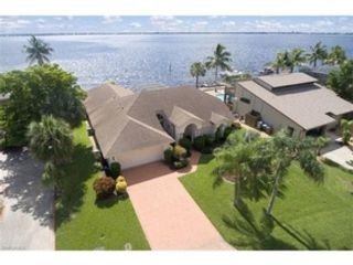4 BR,  3.00 BTH Single family style home in Cape Coral