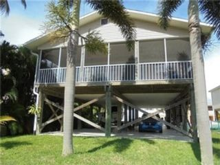 3 BR,  2.00 BTH Single family style home in Fort Myers Beach