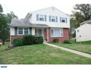 4 BR,  2.50 BTH Single family style home in Hilltown