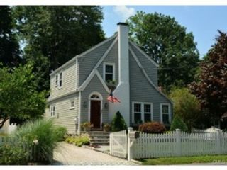 4 BR,  5.50 BTH  Colonial style home in Darien