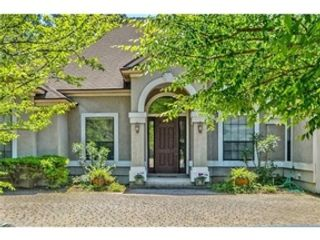 4 BR,  4.00 BTH Bi level style home in Yulee