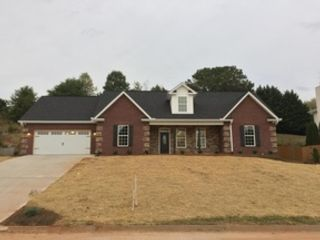 4 BR,  3.00 BTH  Contemporary style home in Knoxville