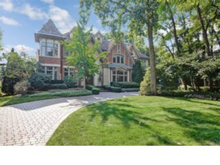5 BR,  4.50 BTH  Single family style home in Oak Brook