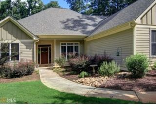 5 BR,  4.50 BTH Ranch style home in Oxford