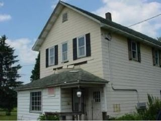 2 BR,  1.00 BTH Multi-family style home in Little Meadows
