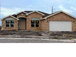 4 BR,  3.50 BTH Single family style home in Friendship