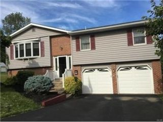 4 BR,  2.50 BTH  Single family style home in Bethlehem