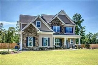 4 BR,  3.00 BTH  Single family style home in Sneads Ferry
