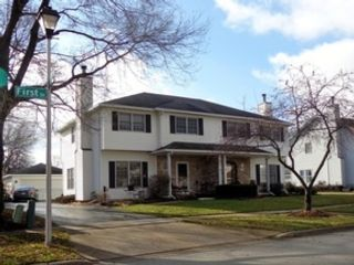 4 BR,  1.50 BTH Cape cod style home in Chicago