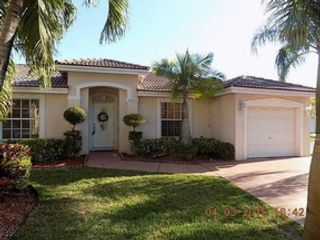 3 BR,  2.50 BTH  Single family style home in Pompano Beach