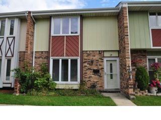 5 BR,  5.50 BTH Single family style home in Elmhurst