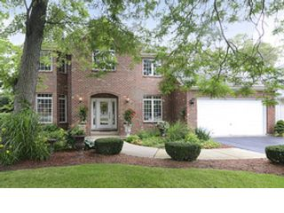 4 BR,  3.50 BTH Traditional style home in Darien