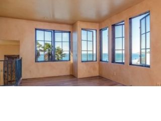 2 BR,  2.50 BTH Single family style home in Cayucos