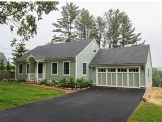 3 BR,  2.50 BTH Cape cod style home in Litchfield