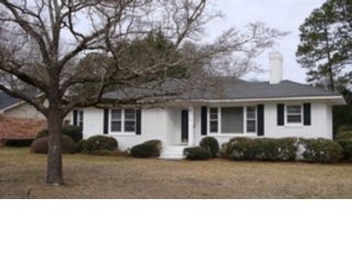 4 BR,  3.50 BTH Colonial style home in Brookfield