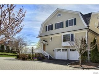 3 BR,  4.50 BTH Townhouse style home in New Canaan