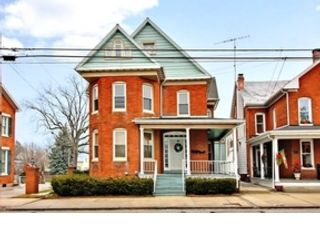 3 BR,  2.00 BTH Double wide mfh style home in Cave Junction