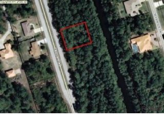 3 BR,  3.50 BTH Single family style home in Palm Coast