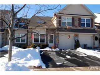 4 BR,  2.50 BTH  Colonial style home in Center Valley