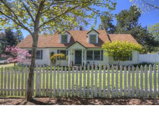3 BR,  2.00 BTH  Ranch style home in White City