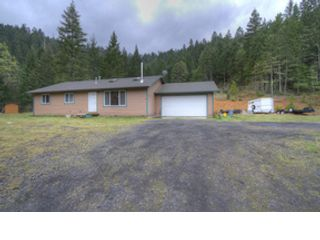 3 BR,  2.00 BTH  Ranch style home in Cave Junction