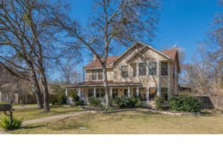 3 BR,  1.00 BTH Single family style home in East Greenwich