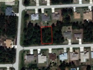 3 BR,  2.50 BTH  Single family style home in Ocala