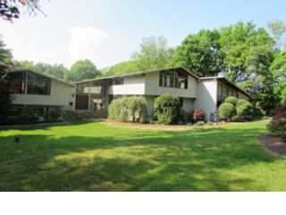 6 BR,  4.50 BTH Colonial style home in Brookfield