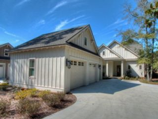4 BR,  2.00 BTH Commercial style home in Madison