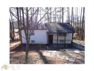 5 BR,  4.50 BTH Traditional style home in Roswell