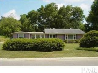 3 BR,  3.00 BTH Single family style home in Debary