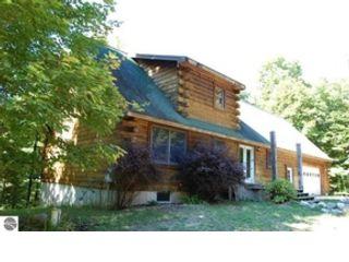 3 BR,  2.00 BTH Single family style home in Oak Harbor