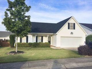 5 BR,  5.50 BTH Single family style home in Prairieville