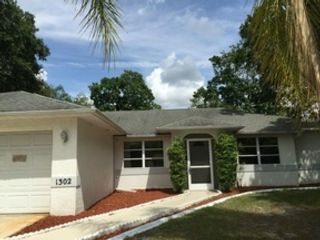 4 BR,  2.50 BTH  Single family style home in Port Charlotte
